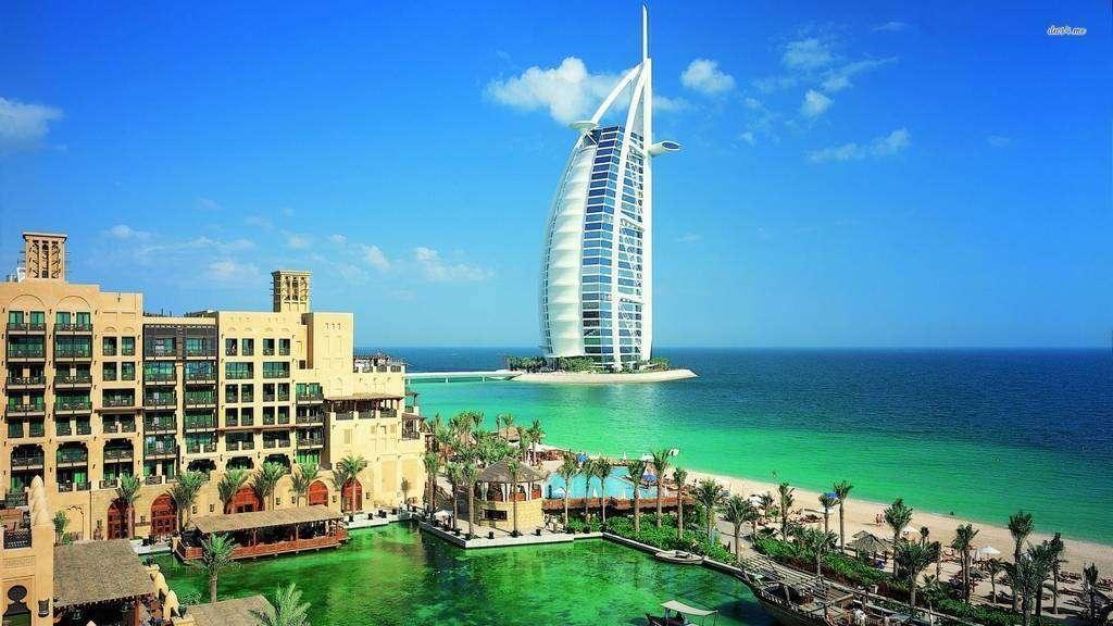 Se Necesita Gu U00eda Tur U00edstico De Habla Hispana En Dubai