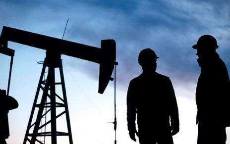 El 77% de los ingresos de Arabia Saudita siguen procediendo del petróleo.