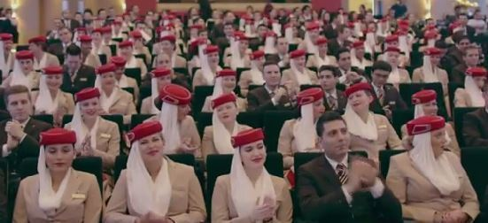 Tripulantes de cabina de la aerolínea Emirates.
