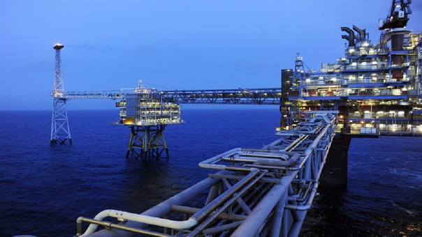 El precio del petróleo termina la semana al alza.