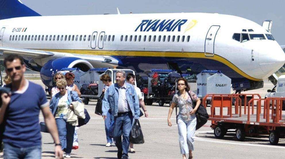 Pasajeros de un vuelo de Ryanair. (AENA)
