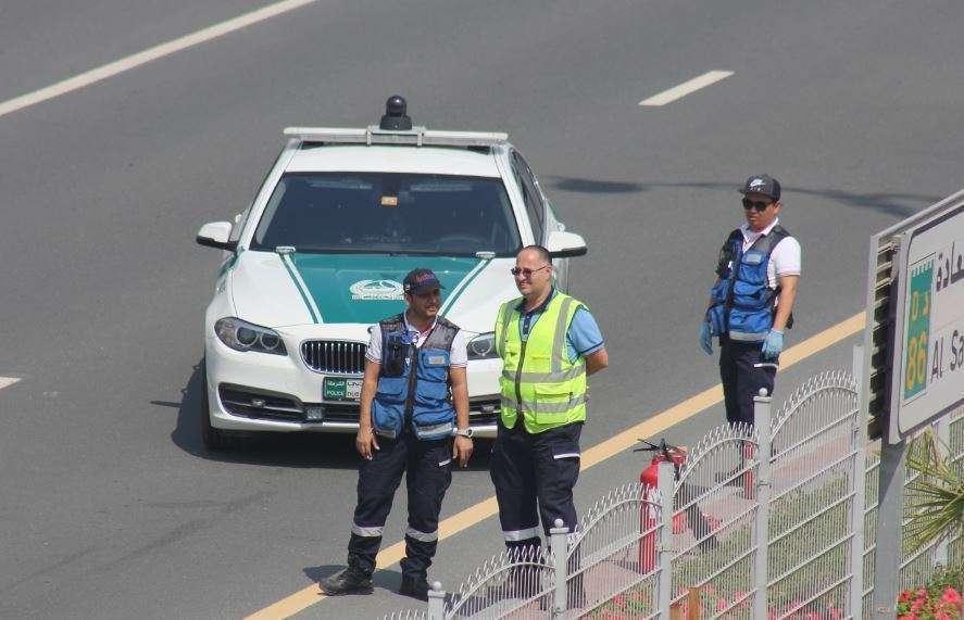 Agentes de la Policía de Dubai. (EL CORREO)