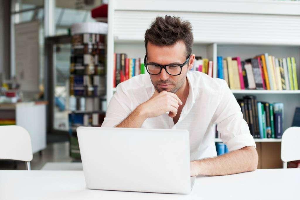 Los grandes ejecutivos reciben 200 correos electrónicos al día.
