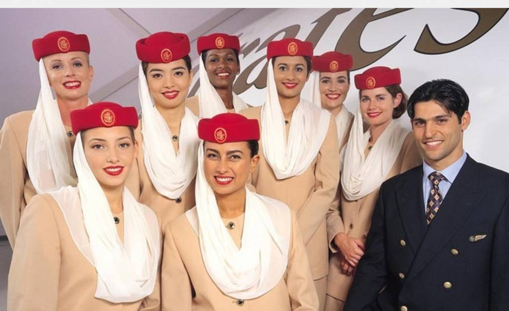 Personal de Cabina de la aerolínea de Dubai Emirates.
