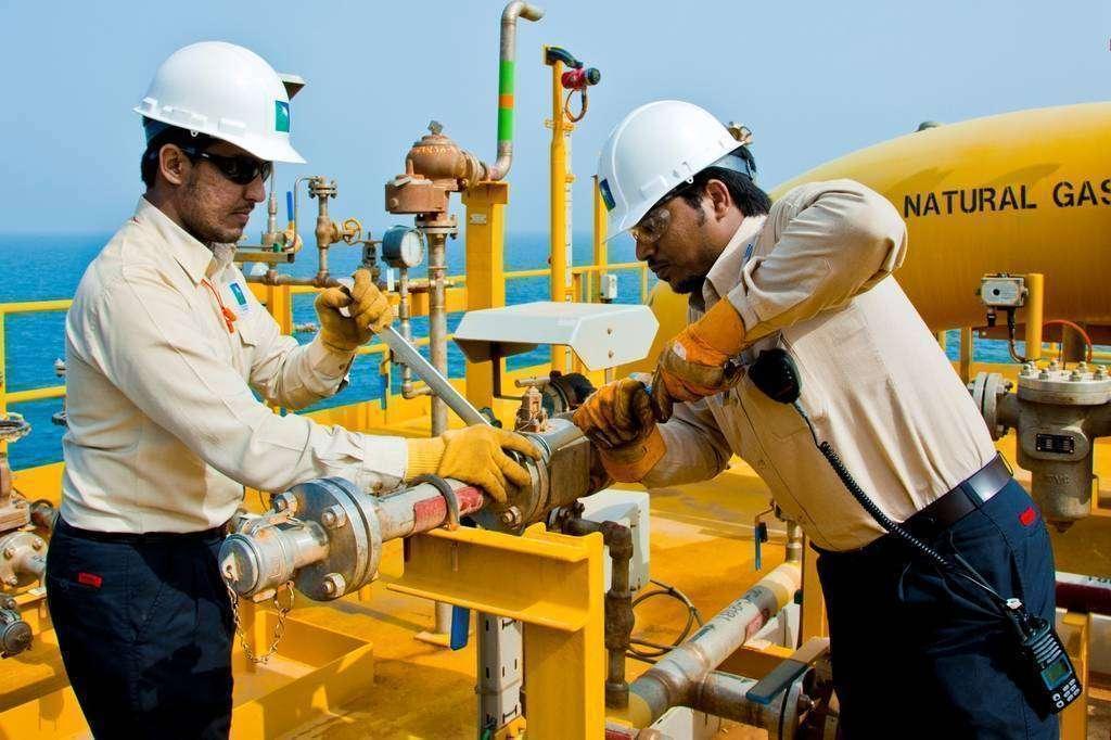 Trabajadores de Aramco (CNBC Arabia)