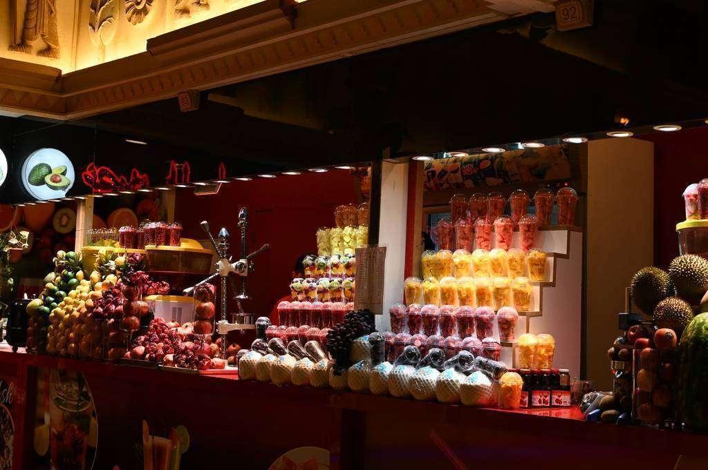 Frutas exóticas en Global Village. (EL CORREO)
