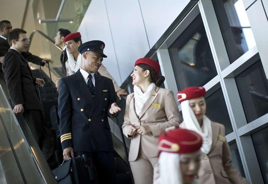 Tripulación de un vuelo de Emirates Airline.