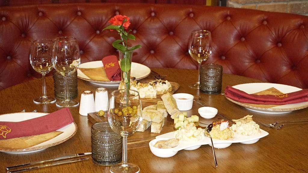 La comida que Carmen puso sobre las mesas fue alabada de forma unánime. (Cedida)