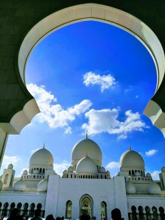 La Gran Mezquita Jeque Zayed en Abu Dhabi. (EL CORREO)