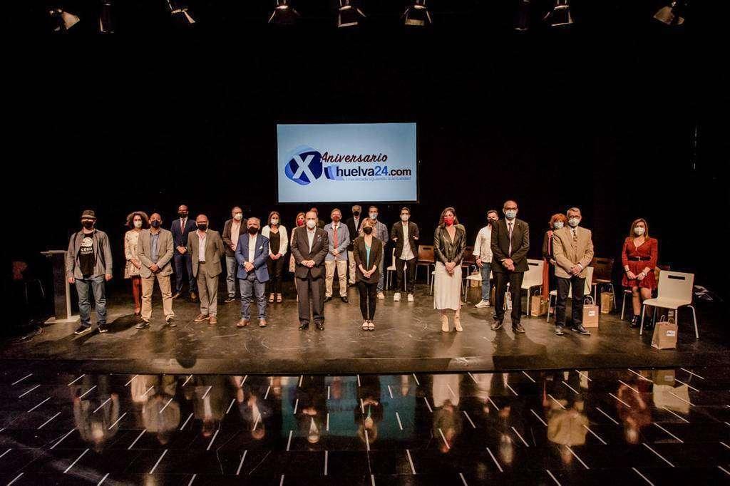 Los premiados por el X aniversario de Huelva24. (Huelva24)