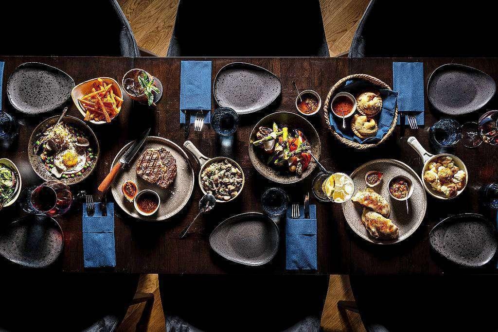 La mejor comida argentina, firmada por el chef Jorge Rivero, preside las mesas de La Casa del Tango de Dubai. (EL CORREO)
