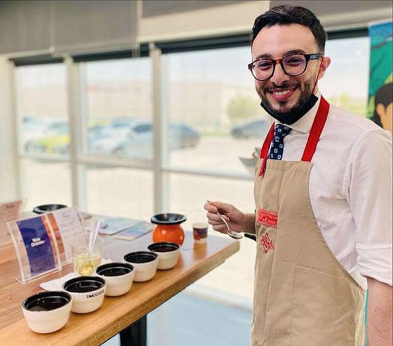 José Bassila, durante la cata en Dubai del café de Guatemala. (Cedida)