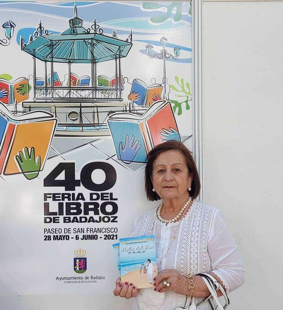 Presentación del libro en la feria de Badajoz, España. (Cedida)