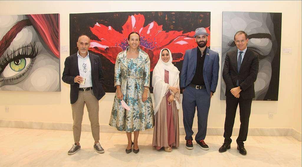 De izquierda a derecha, Enrico Di Maria. Francisca E. Méndez, Sumayyah Al Suwaidi, Leonardo Partida Prieto y Nicola Lener, embajador de Italia en EAU. (EL CORREO)