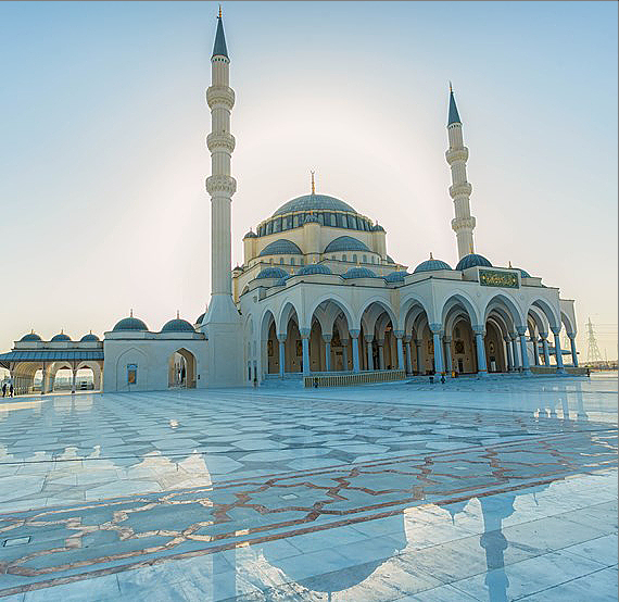 Perspectiva general de la gran mezquita de Sharjah. (WAM)