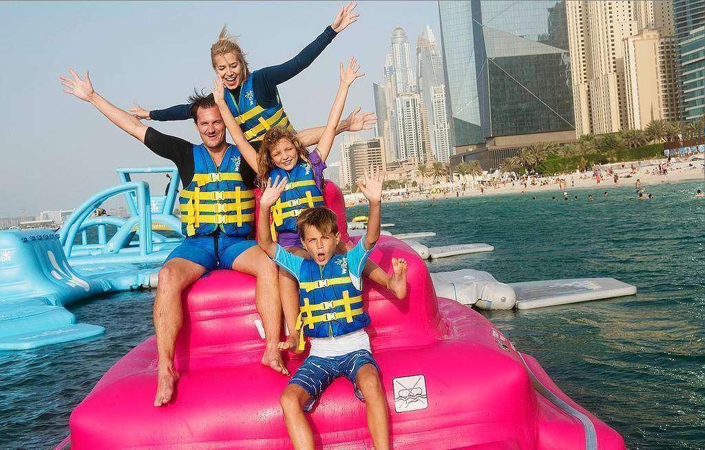 Las actividades acuáticas en familia son uno de los grandes atractivos de Dubai. (WAM)