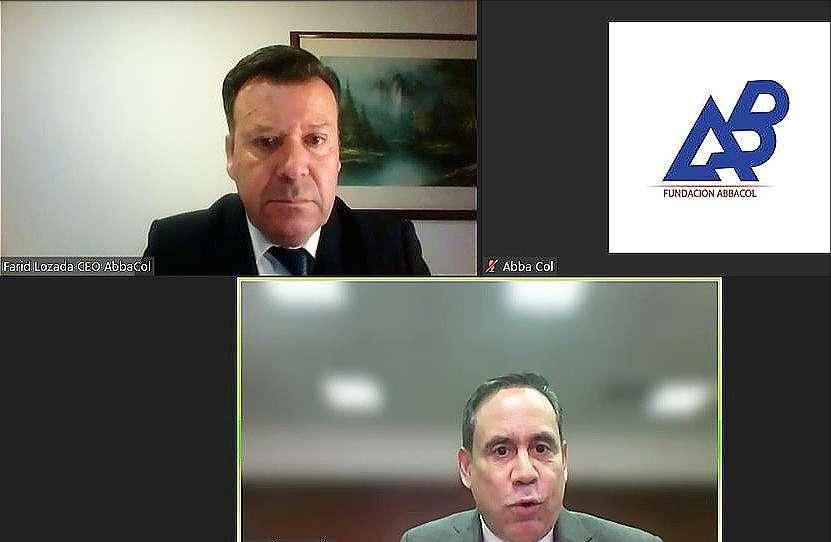 Farid Lozada, CEO de AbbaCol -arriba- conversa de forma virtual con el embajador de Panamá en EAU. (Cedida)