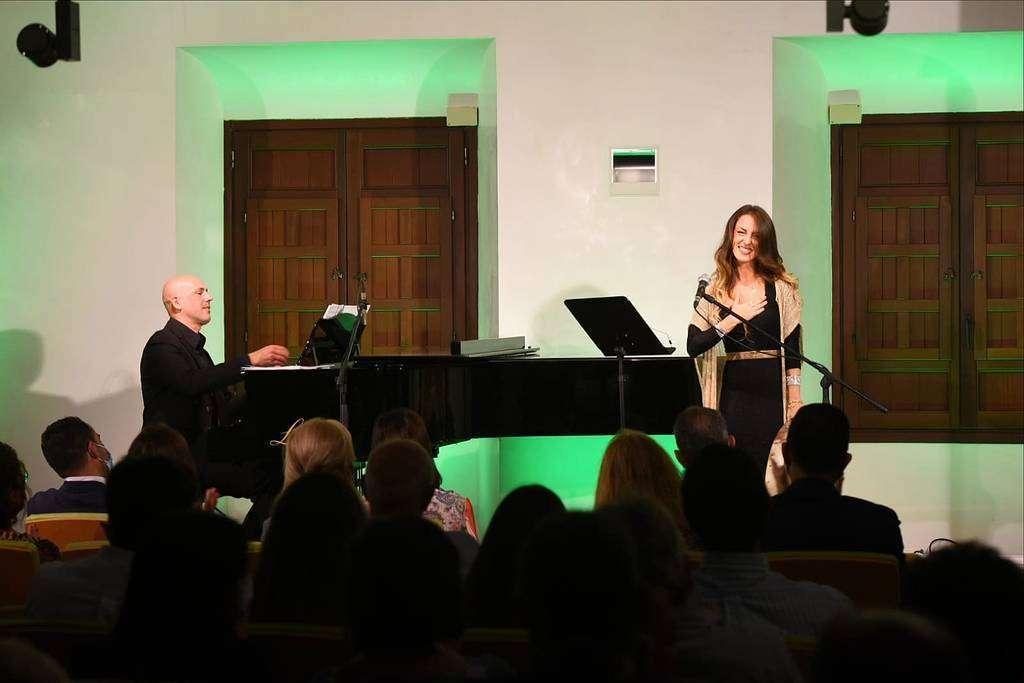 La soprano malagueña afincada en Dubai agradece la calurosa respuesta del público a su espectáculo 'Sonore Al Andalus'. (Casa Arabe / Chencho Martínez)