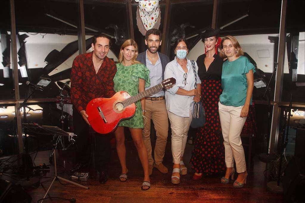De izquierda a derecha, Sergio Catalán, Carlota Llovera, Daniel Rosado, Amelia Cruzado, Raquel Reina y Amaya Delgado. (EL CORREO)