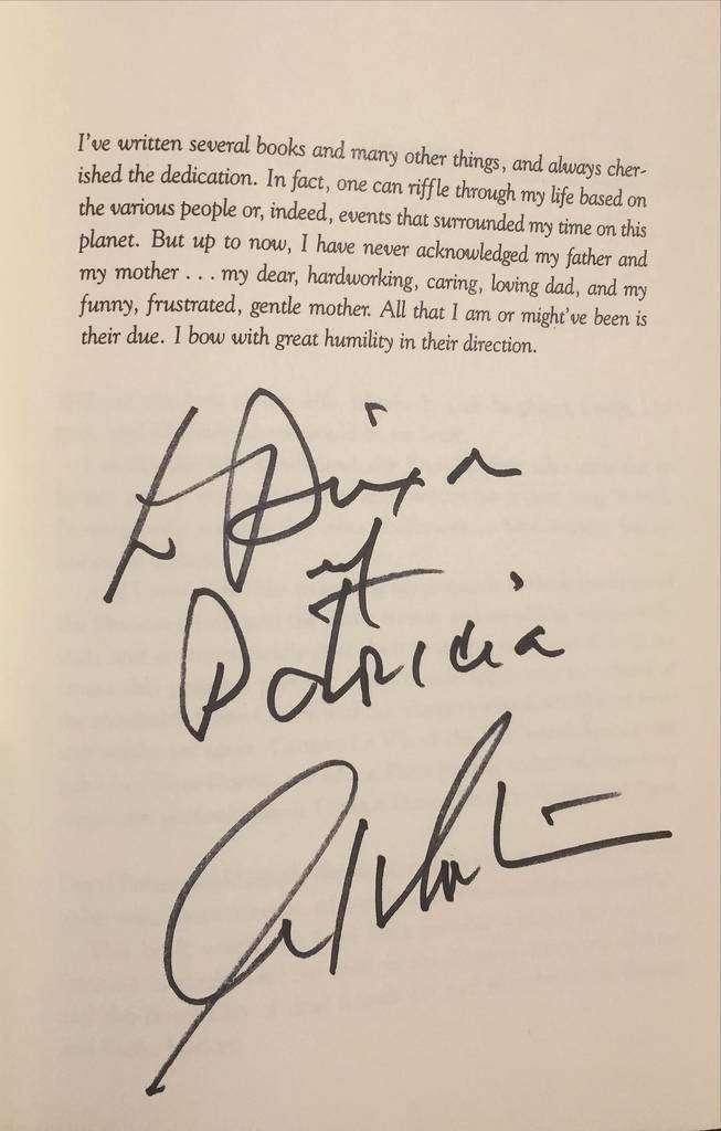 Dedicatoria firmada por William Shatner para Patricia Mogollón y Dixon Moya.