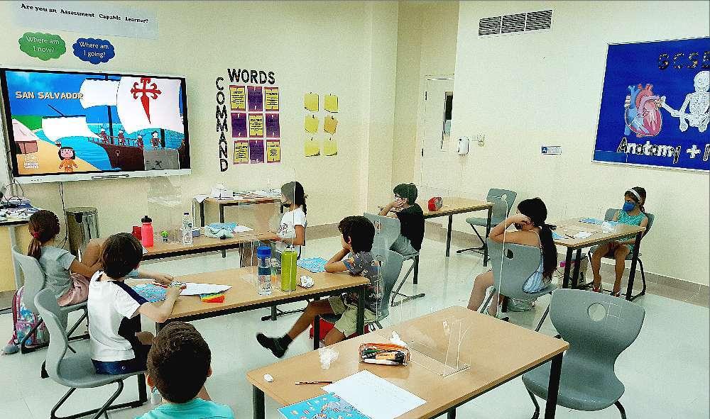 Los alumnos de El Cole aprenden cultura durante el Día de la Hispanidad en Dubai. (Cedida)