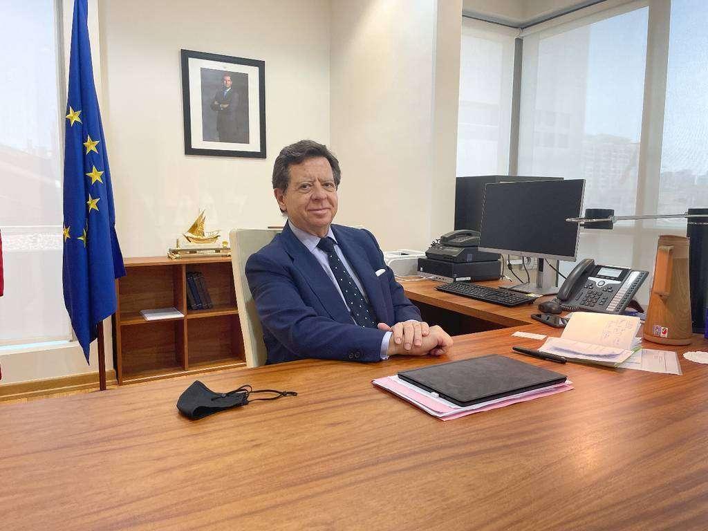 """El nuevo embajador de España en EAU, íñigo de Palacio, quiere """"llegar a conocer bien a la comunidad española"""". (EL CORREO)"""