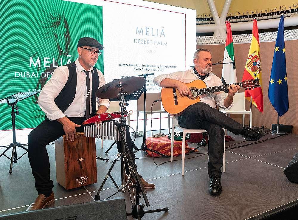 El percusionista Gilberto Monacada y el guitarrista Keco Fontana. (Cedida)